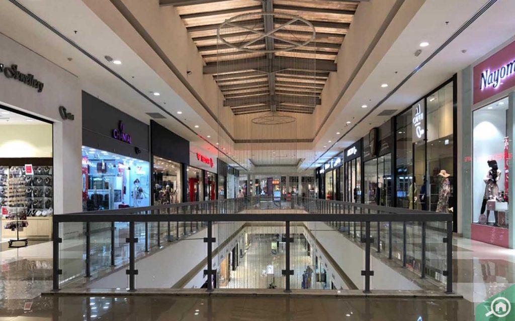 dubai outlet mall near the villa