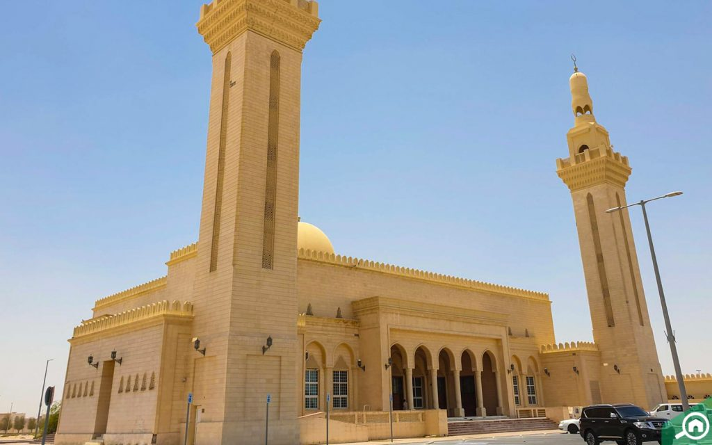 مسجد قرب الشامخة جنوب