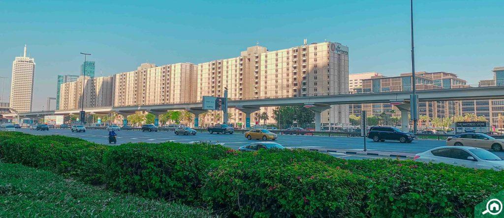 شارع الشيخ زايد يربط المعالم