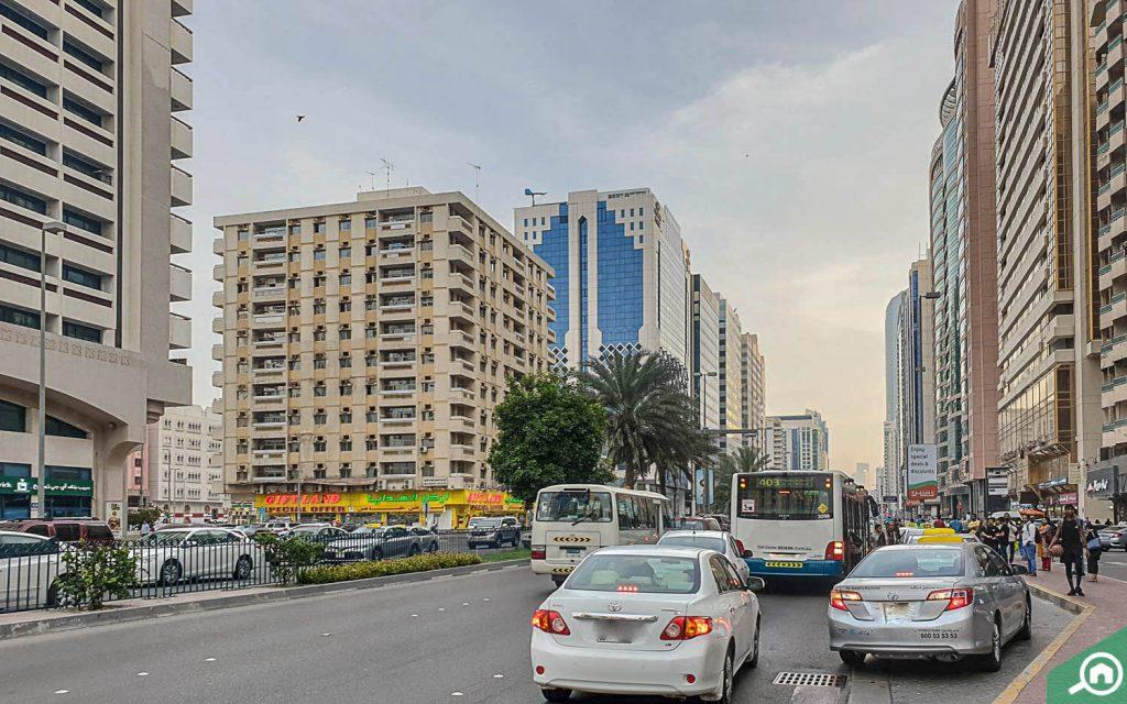 سوبرماركت في شارع حمدان