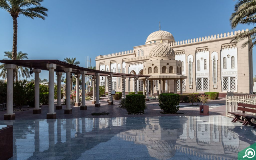 jumeirah mosque near al hudaiba