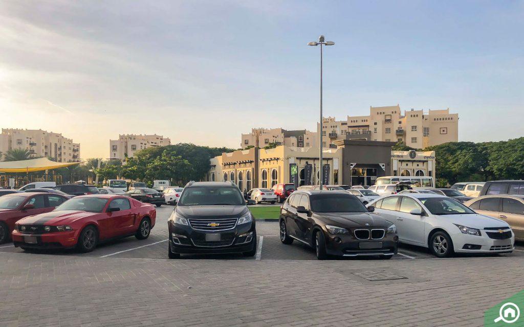 مواقف سيارات منظمة في رمرام