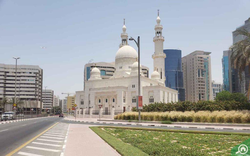 mosque in riggat al buteen
