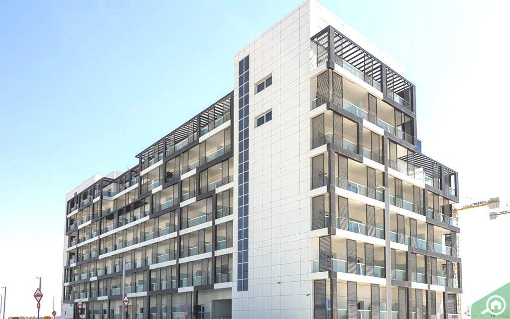 المباني السكنية في مدينة مصدر
