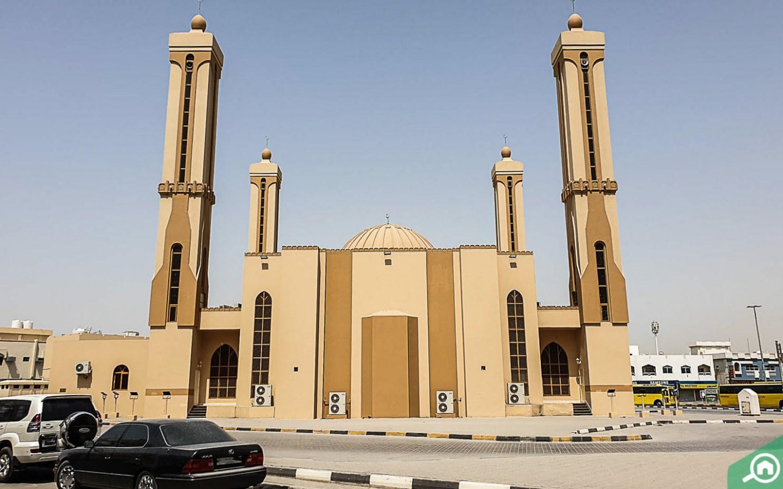 مسجد بمئذنتين