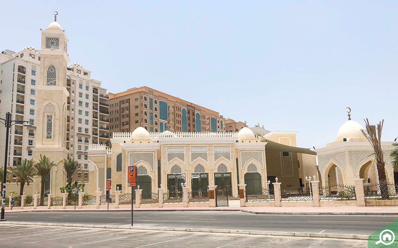 مسجد بتصميم معماري إسلامي