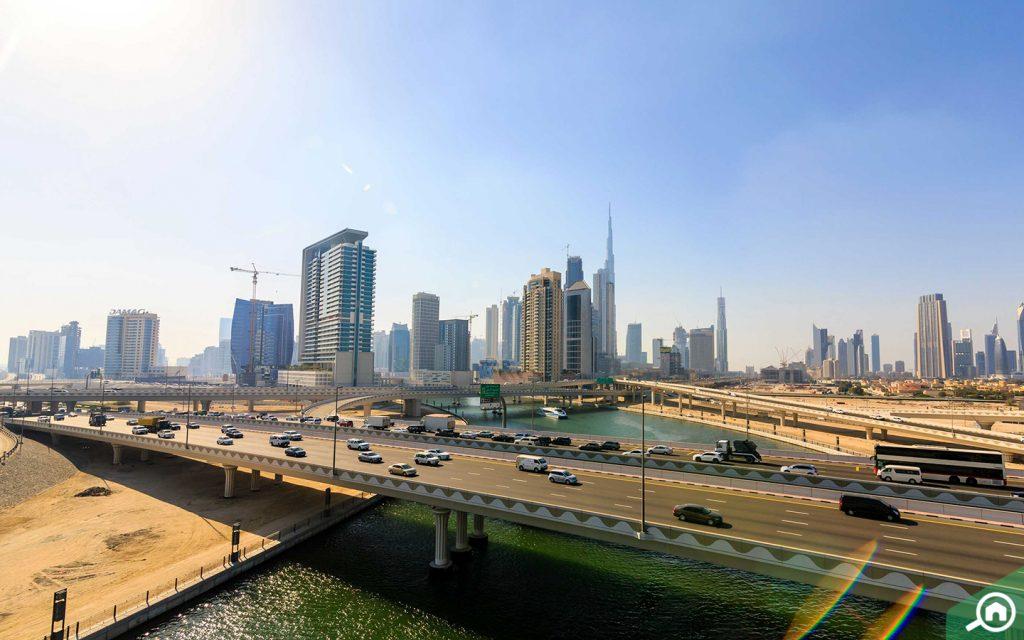 شوارع وسط مدينة دبي