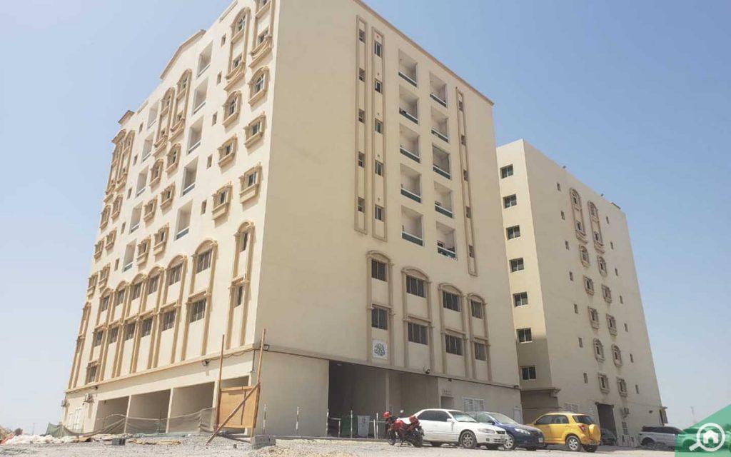 مبانٍ سكنية في مجمعات السلمة