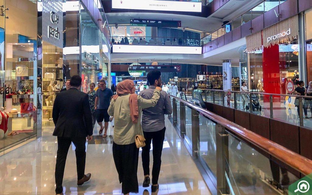 محلات في دبي مول